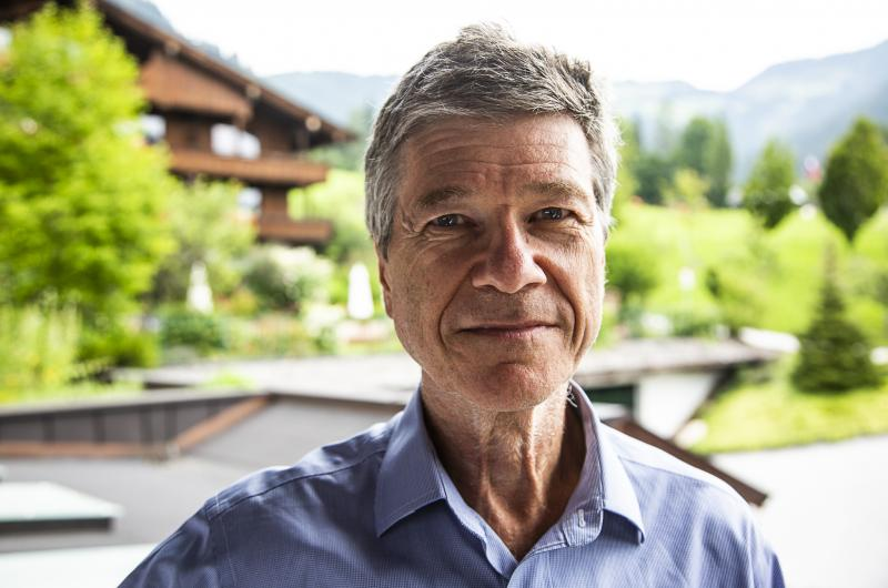 Jeffrey Sachs interview De VS is incompetent, Europa is zwak